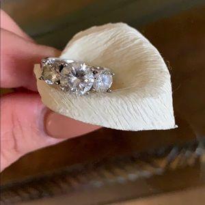 Jewelry - Beautiful cubic zirconia ring